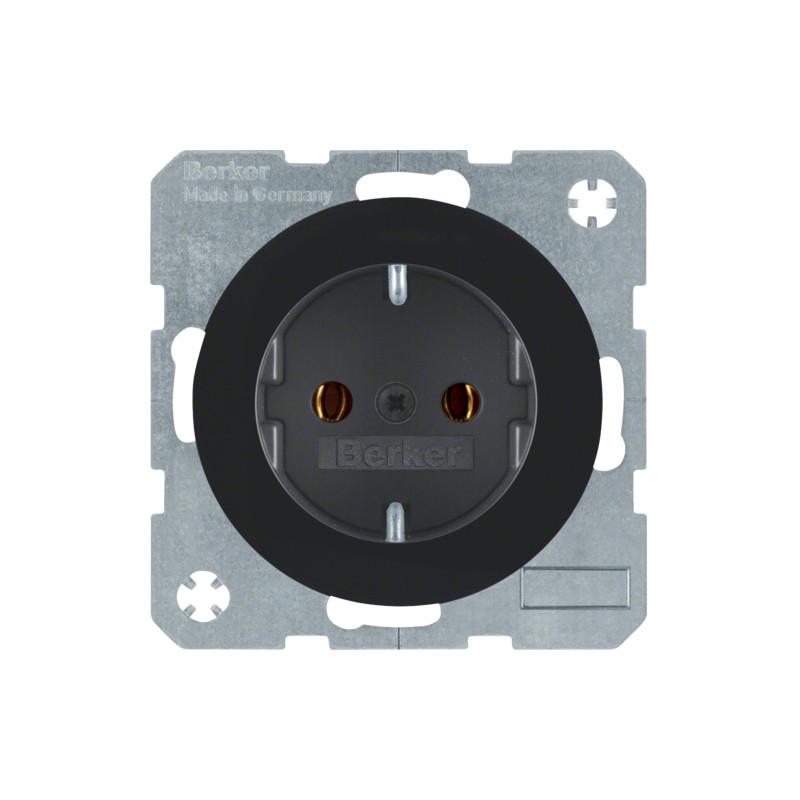 Berker R.1 juodas elektros lizdas